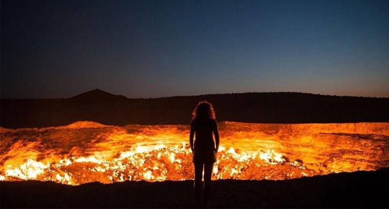 Resultado de imagem para puerta al infierno turkmenistán